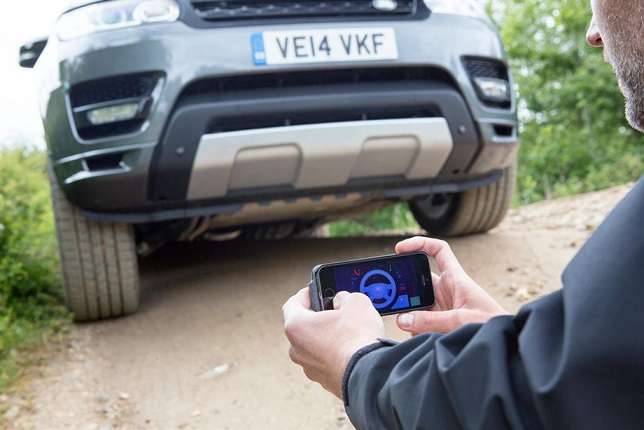 land_rover_remote_control_smartphone_3.jpg